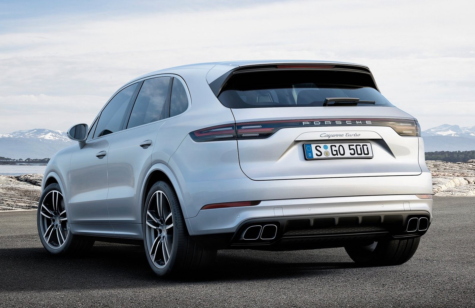 Itu0027s Hard To Believe That The Car That Angered Porschophiles Is Now Up To  Its Third Generation. The Porsche Of SUVs (aside From The Macan) Will, ...