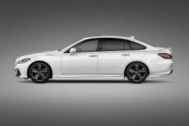 Toyota previews 2018 Crown sedan ahead of Tokyo debut