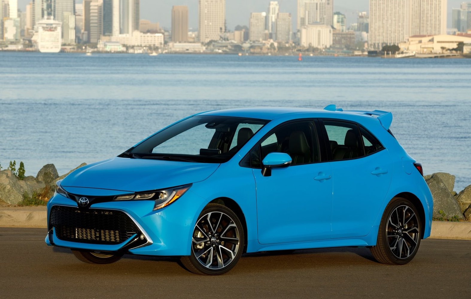 top 10 things to know about the 2019 toyota corolla. Black Bedroom Furniture Sets. Home Design Ideas