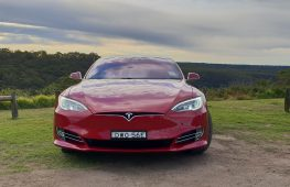 Top 10 things to know about the 2018 Tesla Model S 75D