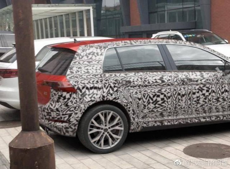 2019 volkswagen golf spotted in china with minimal. Black Bedroom Furniture Sets. Home Design Ideas